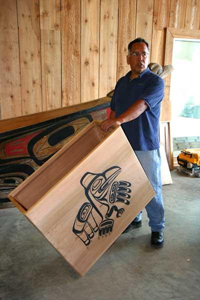 Andy Wilson in het Haida Heritage Centre