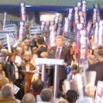 De Canadese premier Stephen Harper op campagne.