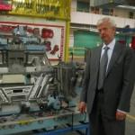 Peter van Schaik van auto-onderdelenbedrijf Van-Rob, in zijn fabriek nabij Toronto.