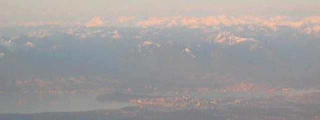 Vancouver vanuit de lucht, met het centrum van de stad in het midden van de foto.