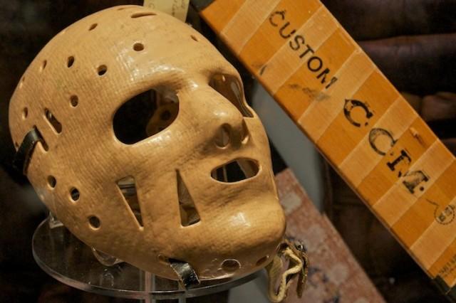 Masker van Johnny Bower.