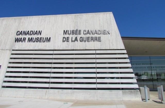 Gevel van het Canadese oorlogsmuseum in Ottawa.