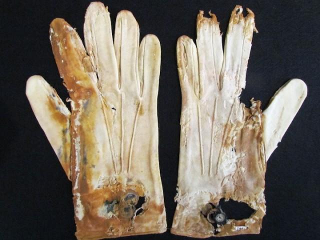 Handschoenen van een opvarende van Titanic.
