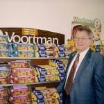 Koekjesondernemer Harry Voortman in de winkel bij de fabriek van Voortman Cookies in het Canadese Burlington.