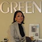 Nina Gupta op kantoor bij Greenlite in Montreal.