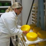 Kaasproducent Margaret Peters op haar bedrijf, Glengarry Cheesemaking in Lancaster, Ontario.