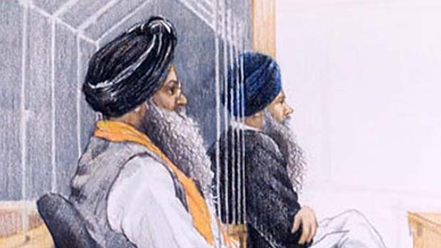 Verdachten Ripudaman Singh Malik en Ajaib Singh Bagri op een tekening tijdens hun proces in Vancouver.