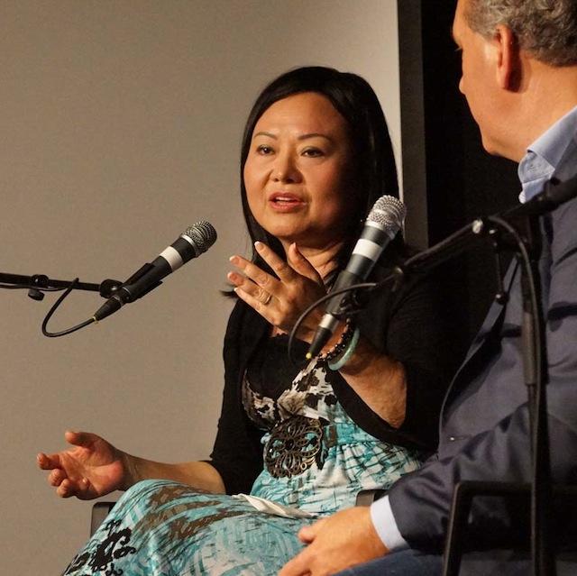Kim Phuc spreekt over haar ervaringen sinds het bombardement in Vietnam (foto Peter de Ruiter).