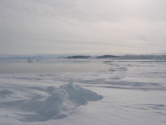 Zeeijs en open water in het Arctische gebied