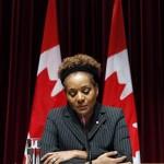 De Canadese gouverneur-generaal Michaëlle Jean legt een verklaring af over de zware aardbeving in Haïti, haar geboorteland. Foto Reuters