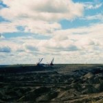 Winning van olie uit de teerzanden in de Canadese provincie Alberta.