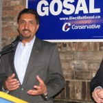 Bal Gosal voert campagne namens de Conservatieve partij.