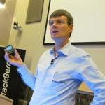 Thorsten Heins vertrekt na minder dan twee jaar als bestuursvoorzitter van BlackBerry.
